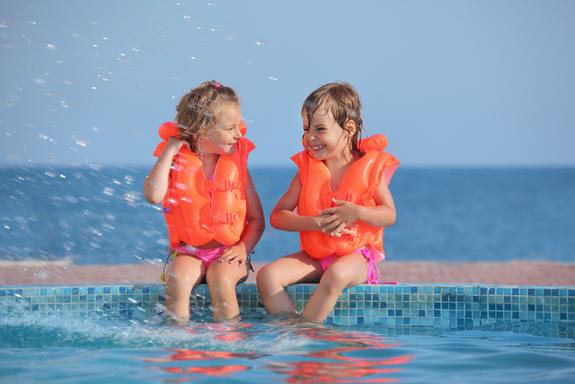 rèn luyện kỹ năng an toàn khi du lịch cho bé